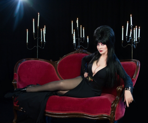 Elvira on set